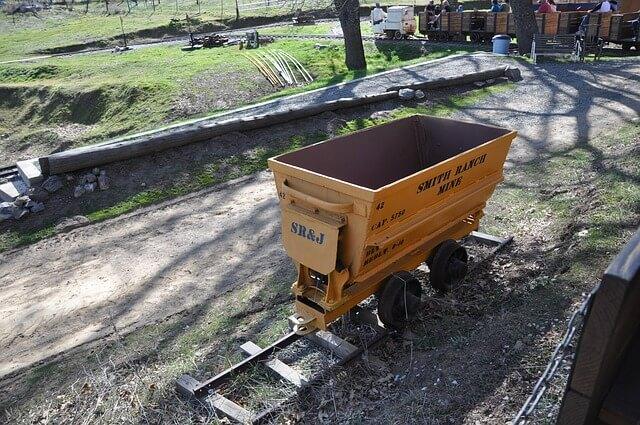 gold-cart-481248_640